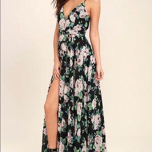 NWT Lulus Maxi dress with leg slit